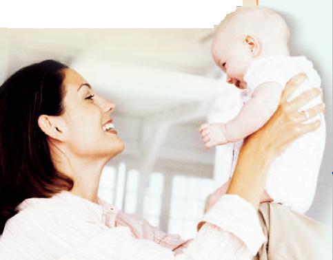 mom-lifting-baby1
