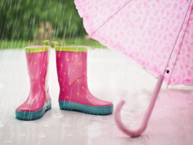 rain-boots-umbrella-wet-1024x683